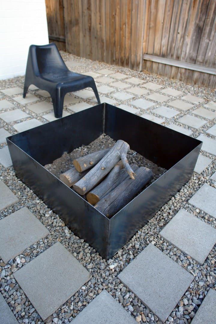 9.Metal Fire Pit Idea by Simphome.com