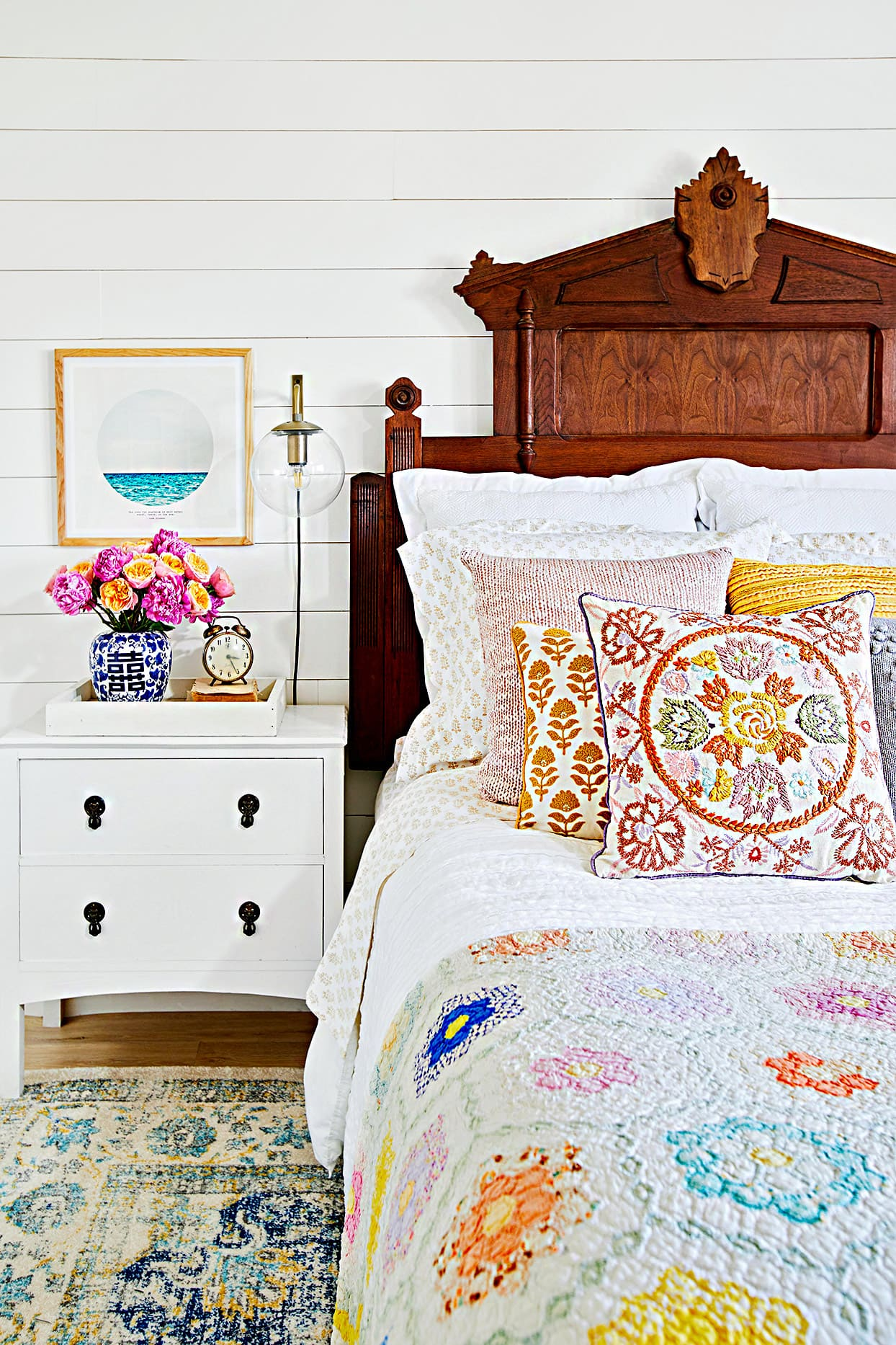 1.Make the Bedding Agree with Your Bedroom Style via Simphome.com