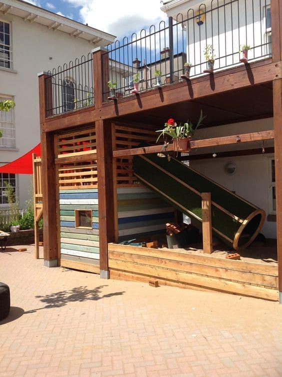 2.Playhouse under the Deck via Simphome.com 2
