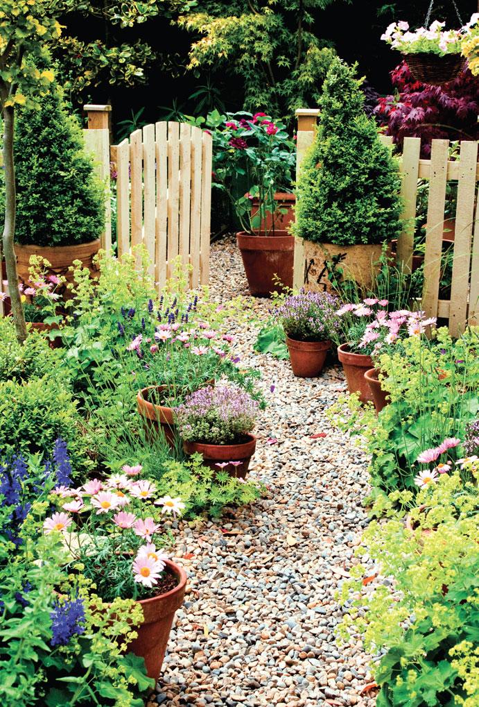 5.Use Teracotta Flower Pot via Simphome.com