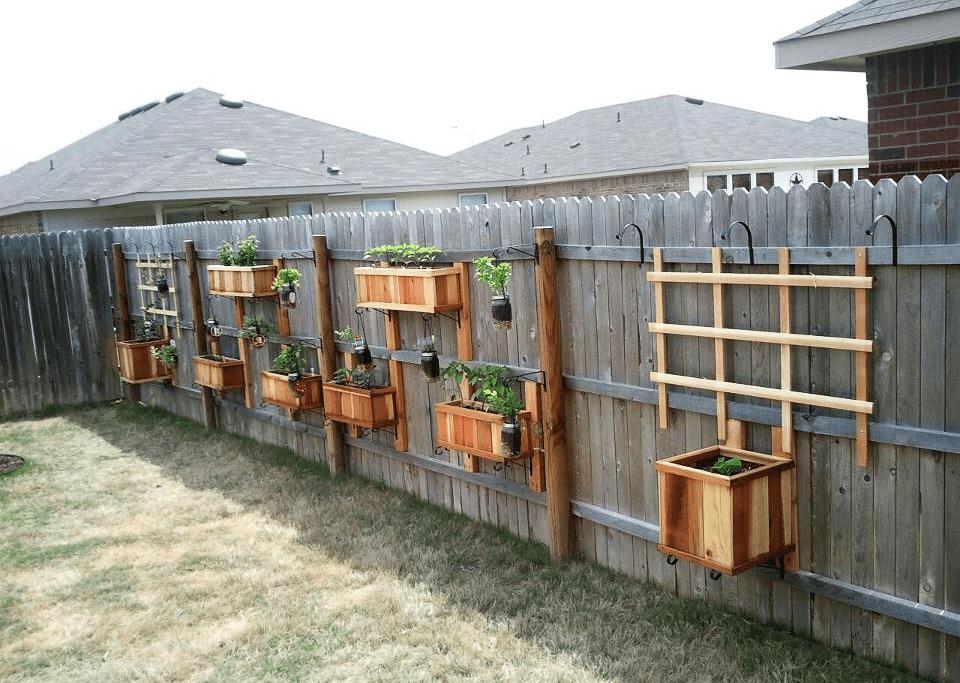 8.Hang Your Veggies on the Fence via Simphome.com