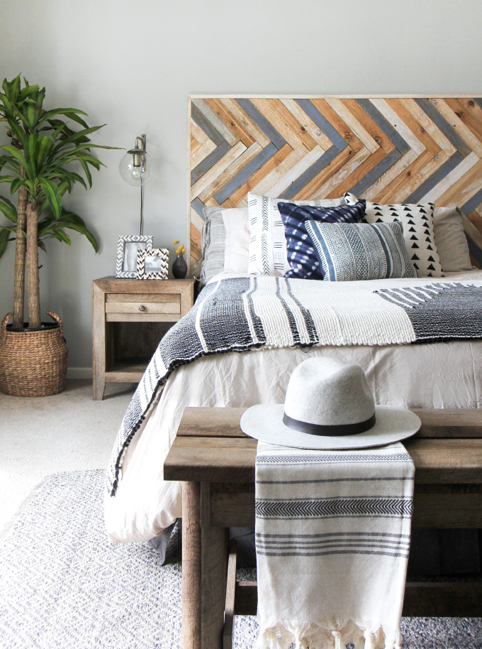 10.HERRINGBONE WOOD HEADBOARD PROJECT IDEA via Simphome.com