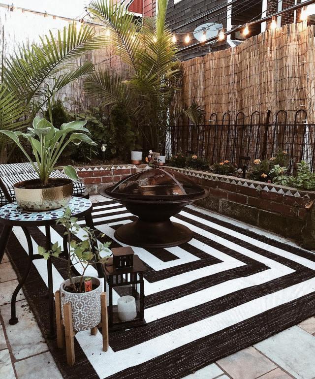 2.Expand Your Outdoor Living Area via Simphome.com