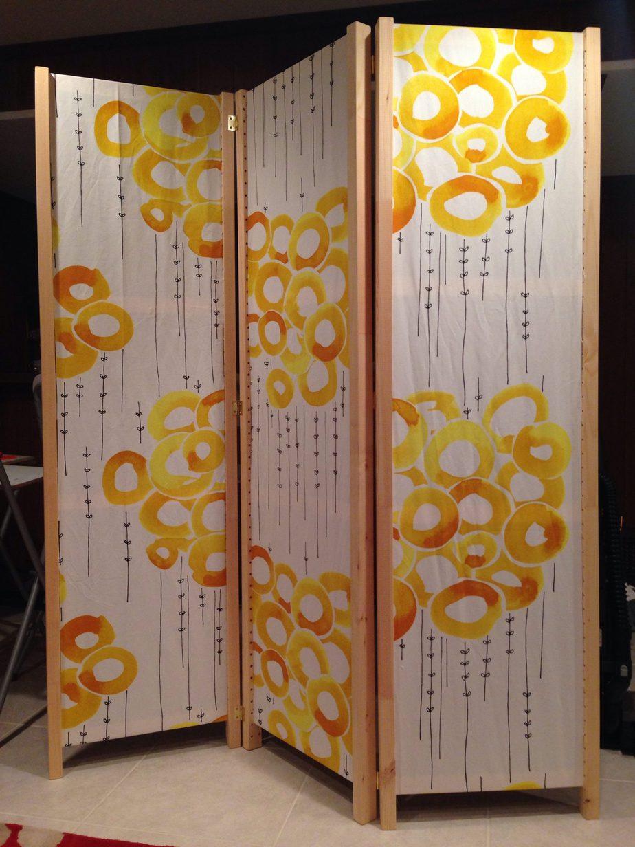 5.Fabric Room Divider Idea via simphome.com