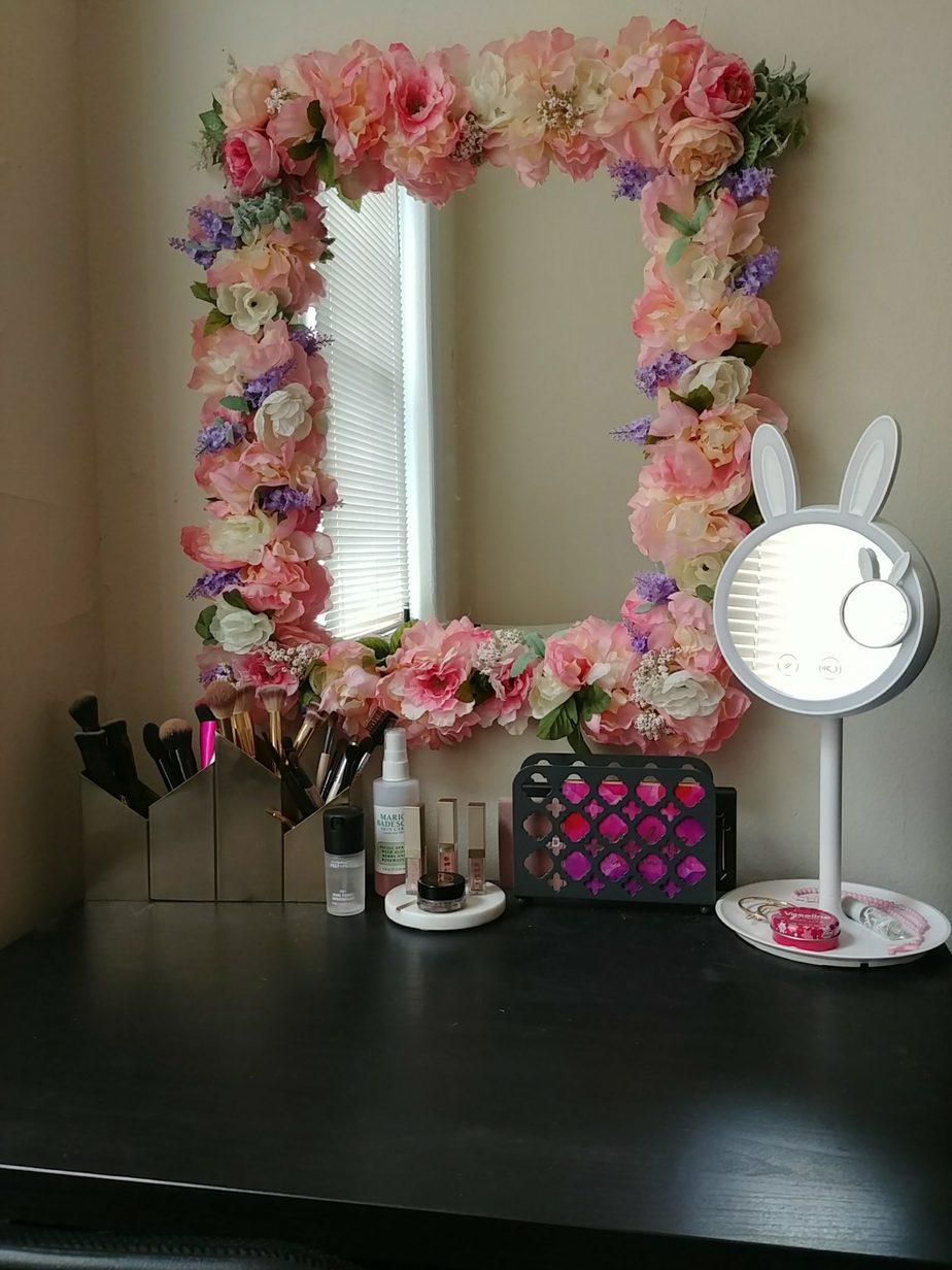 1.Floral Mirror makeover ideas via Simphome.com