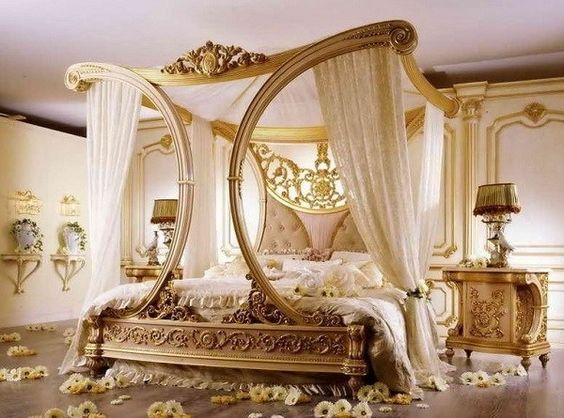 1.Lavish and Romantic by Simphome.com