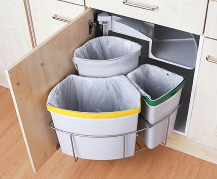 10. Trash bin by simphome.com