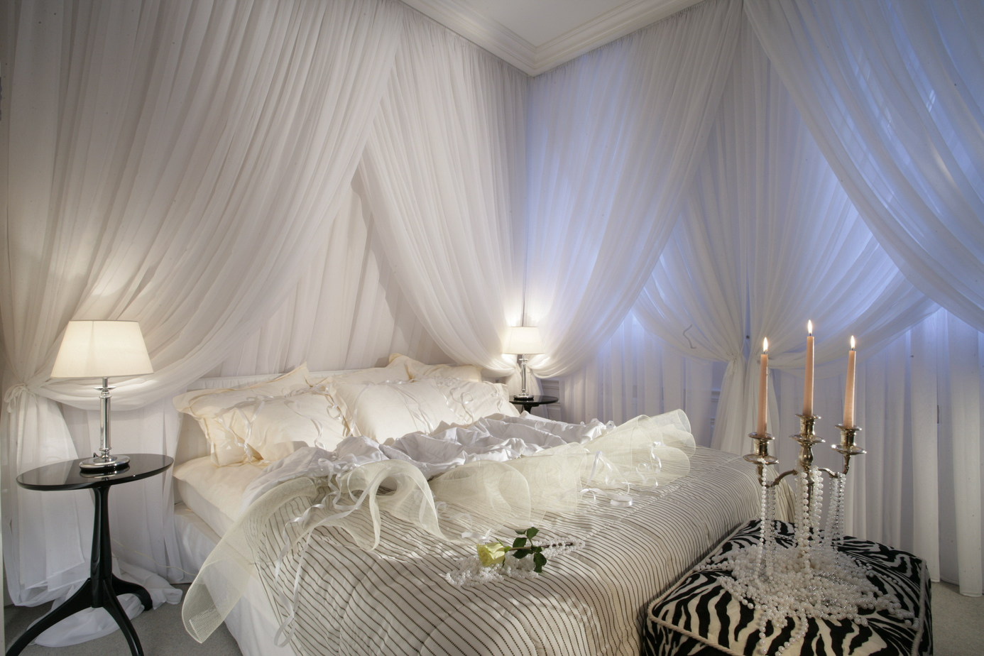 10.Beautiful in White Opt for canopy bed by Simphome.com