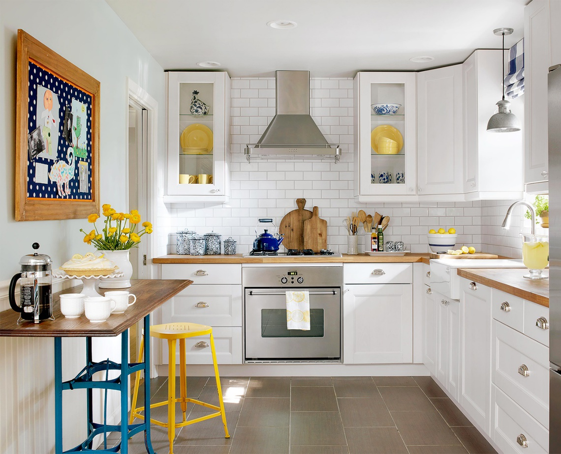 10.Paint Your Kitchen White via Simphome.com