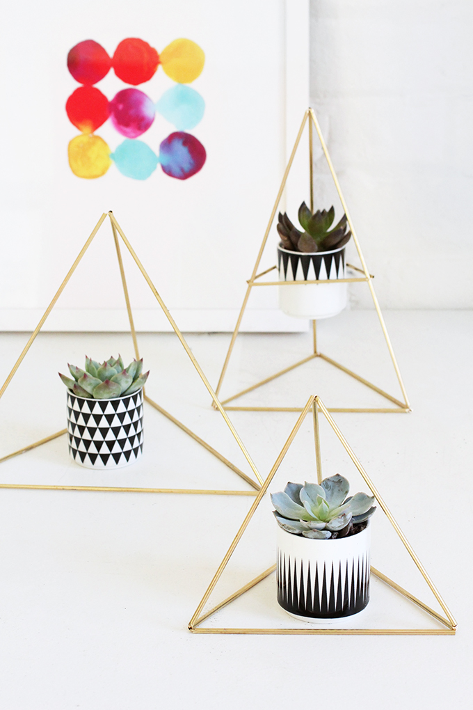 10.Triangle Succulent Holder By Simphome.com