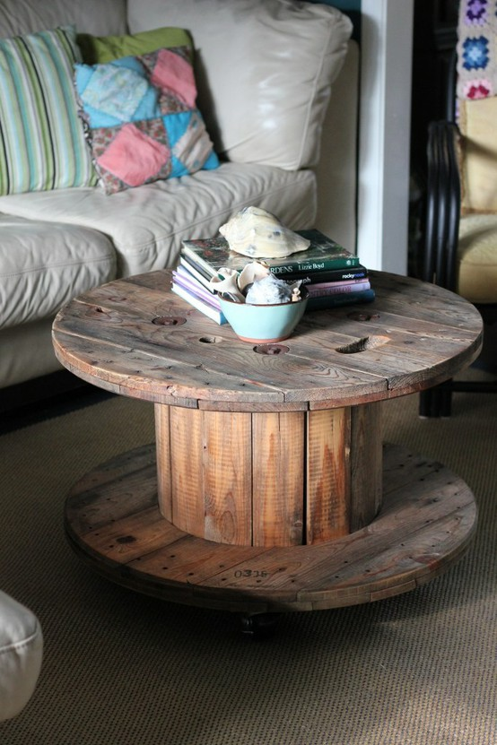 4.Spool Coffee Table Idea via Simphome.com