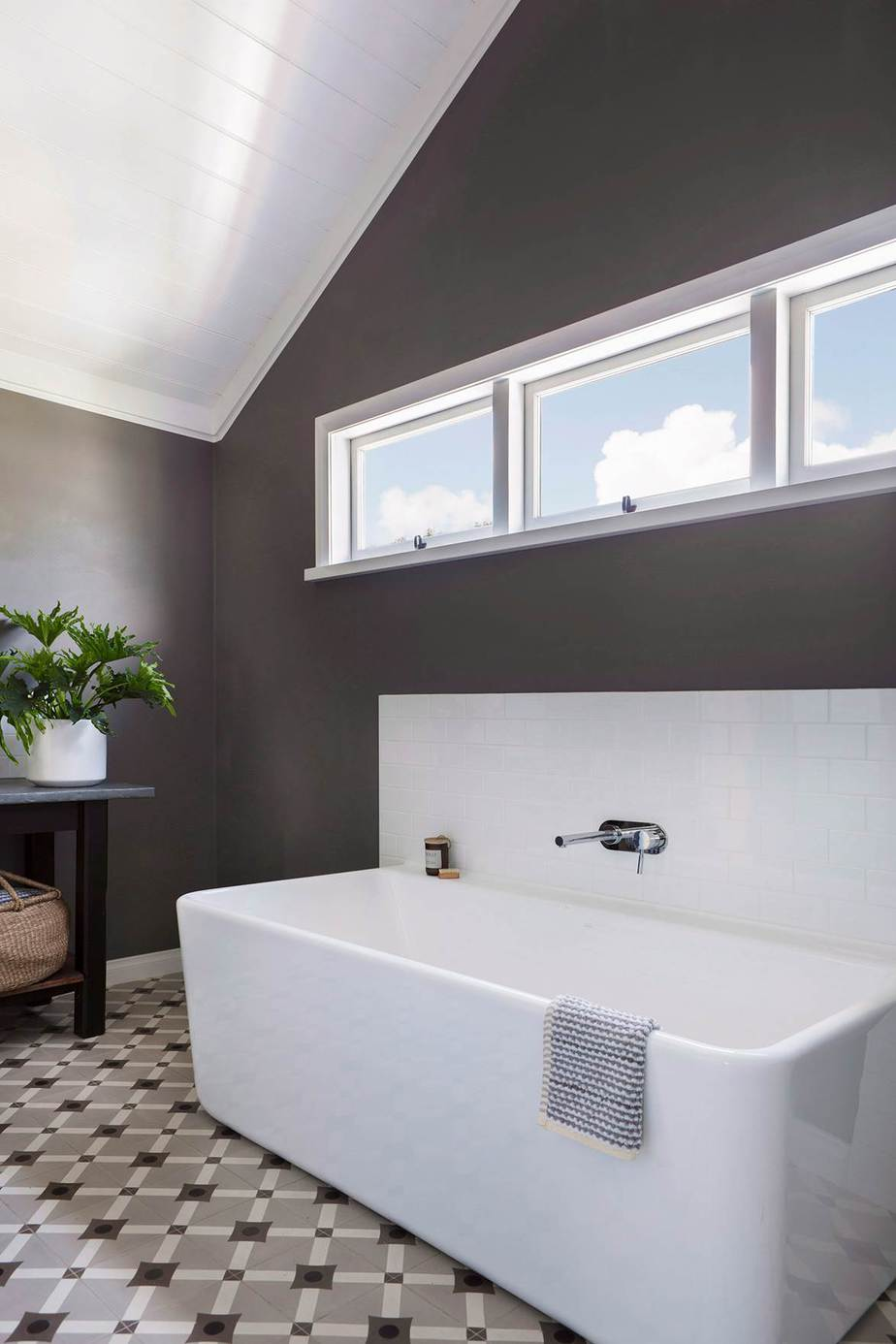 5.Natural Bathroom concept By Simphome.com