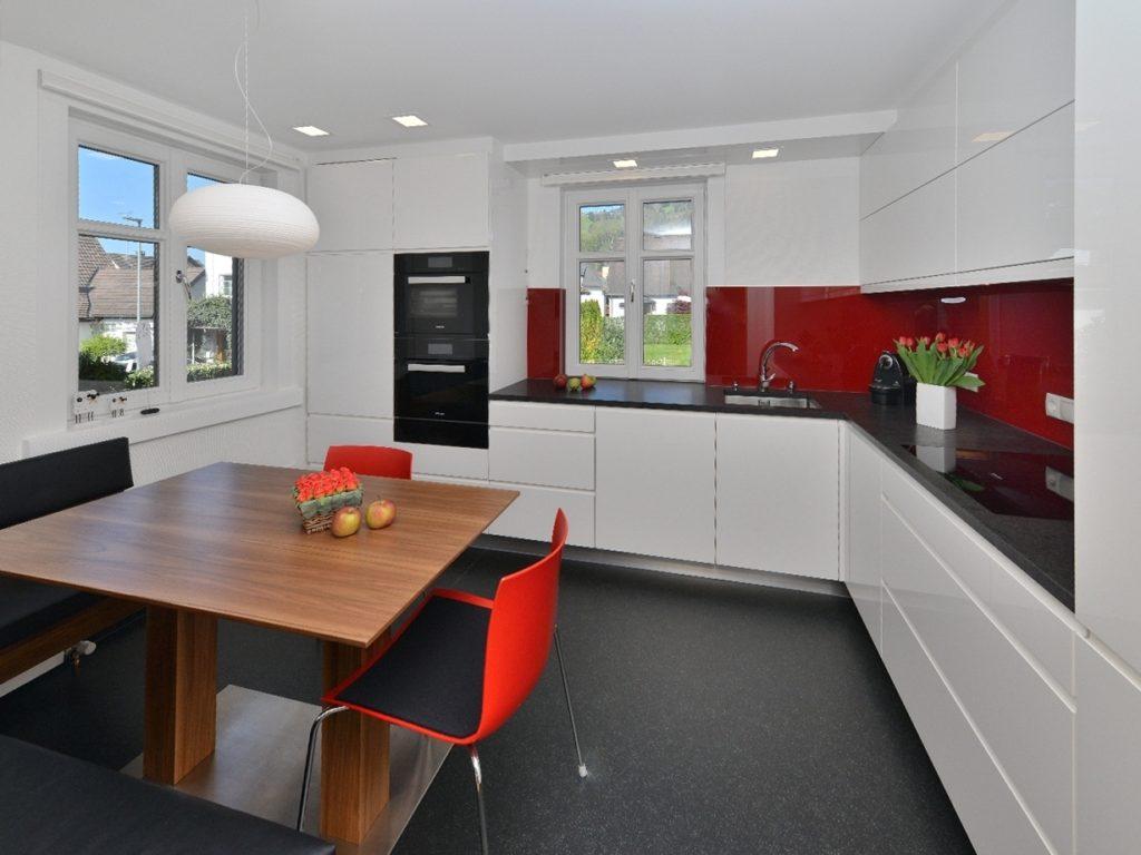 5.Shiny Cabinets and Countertop via Simphome.com