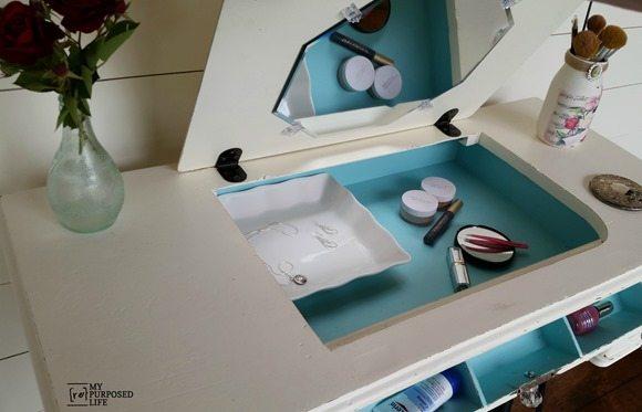 6.my repurposed life vanity vintage sewing machine via Simphome.com