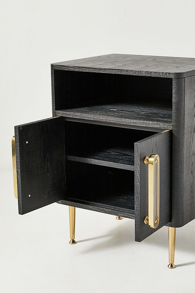 8.Have a Functional and Clutter Free Nightstand Table By Simphome.com