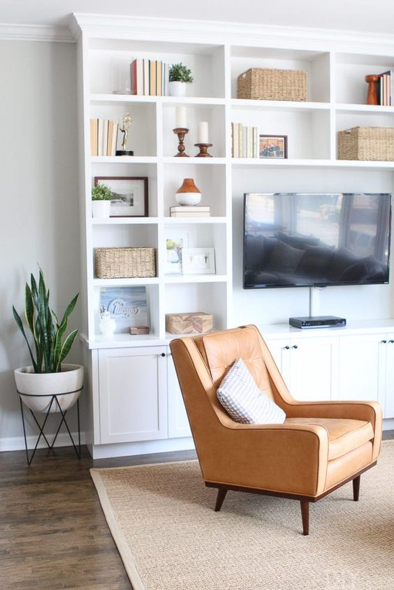 3. Organize and declutter your family room by simphome.com