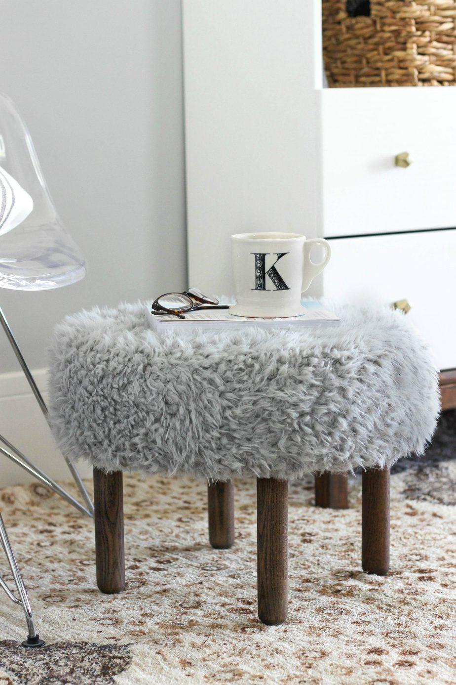 7. DIY Faux Fur Footstool by simphome.com