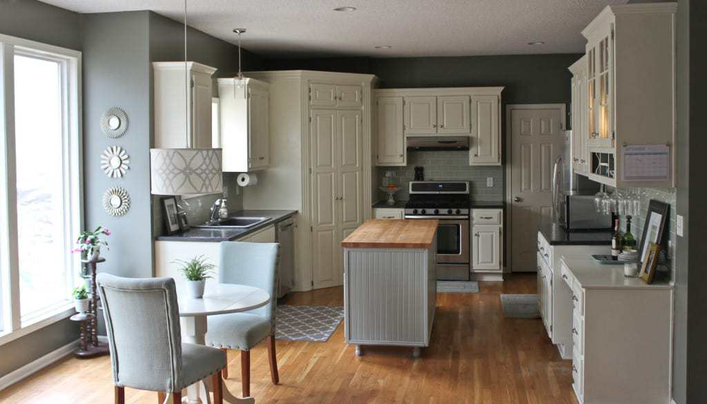 8. Reviving Old Kitchen Island by simphome.com