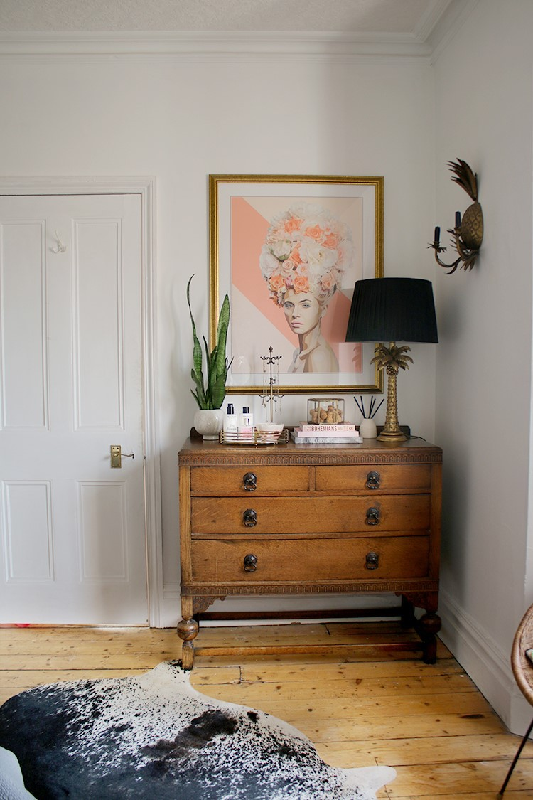 1. Back to the simple one Style your Bedroom Chest of Drawers This wayby simphome.com