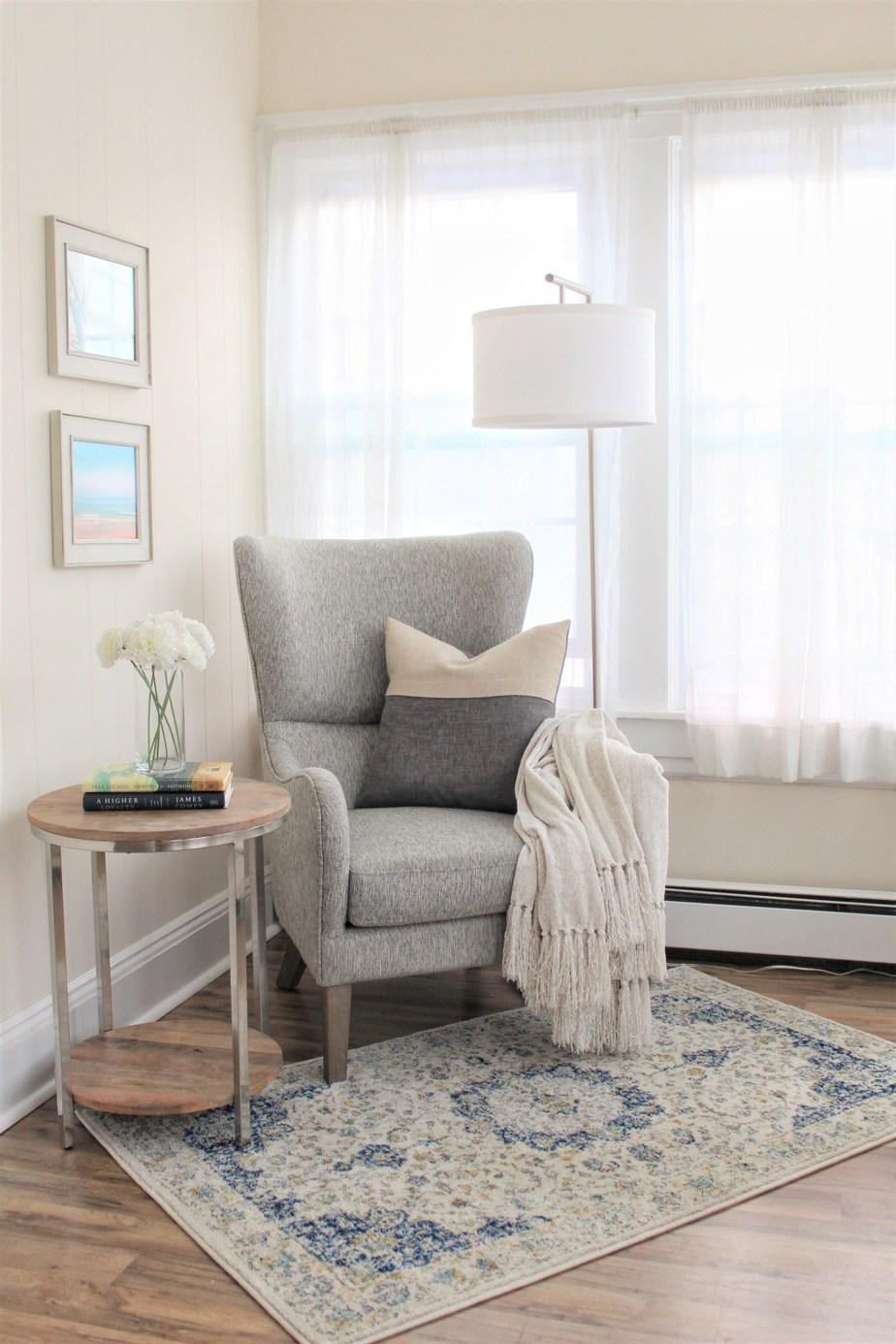 5. Coastal Cozy Reading Nook by simphome.com