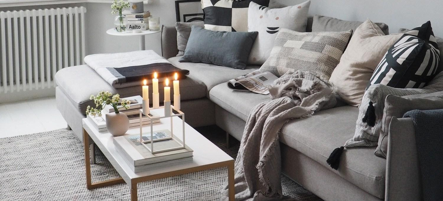 5. Make Your Living Room Feel Cozy by simphome.com