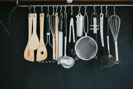 9. Hang Your Utensils by simphome.com