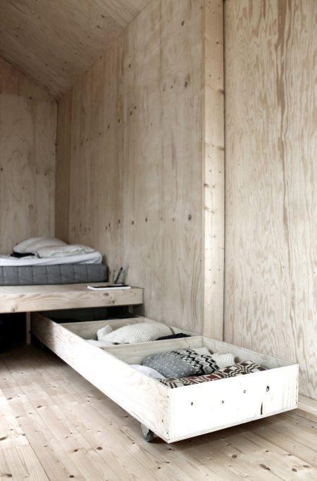2. Strundle Bed Storage Storage Bed by simphome.com