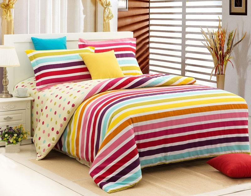 5. Go with Stripped Bedding by simphome.com