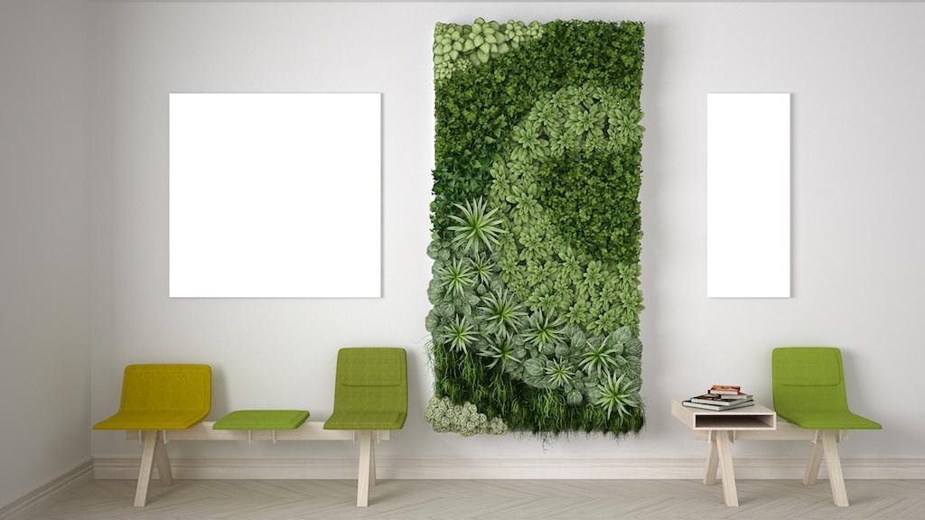 9. Dramatic Living Wall by simphome.com