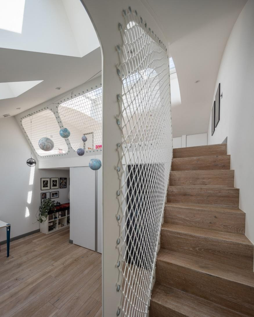 1. Fishnet Stair Railing by simphome.com