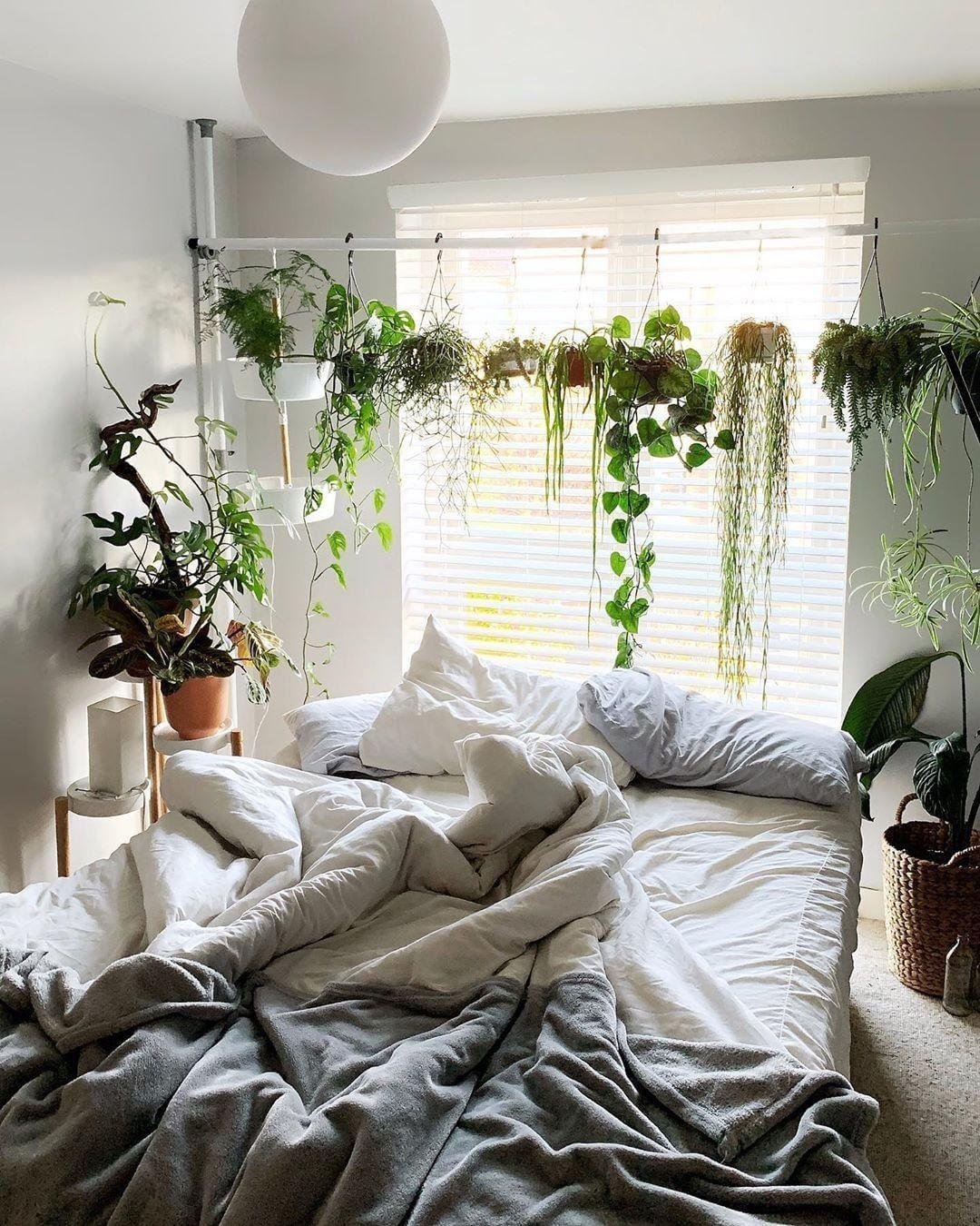 1. Pots hanger by simphome.com