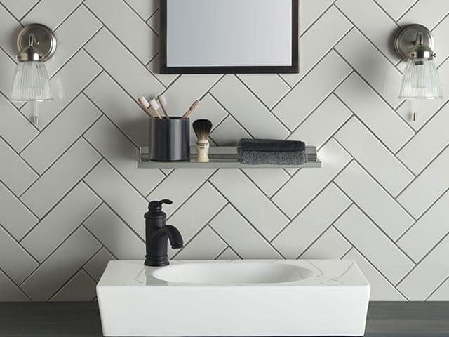4. bathroom splashback design by simphome.com