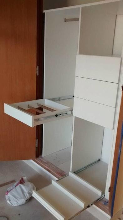 6. Follow this custom dressing room project include with removable shoe tray module by simphome.com ..