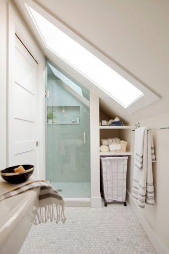 6. Narrow Attic Bathroom by simphome.com