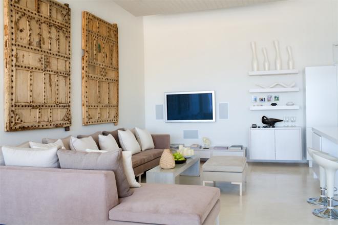 660x440 Minimalist Interior living room via Simphome.com .jpg