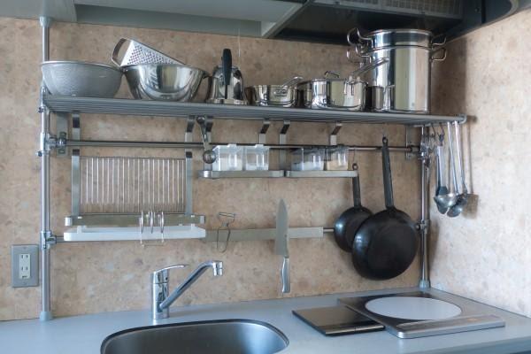 8. Another DIY Shelf by simphome.com