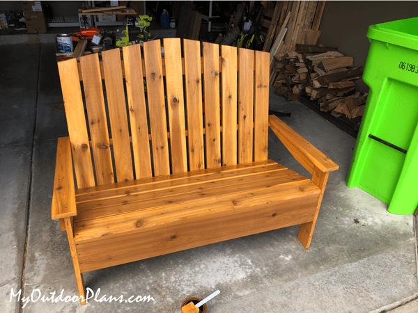 8. DIY Wood Loveseat by simphome.com