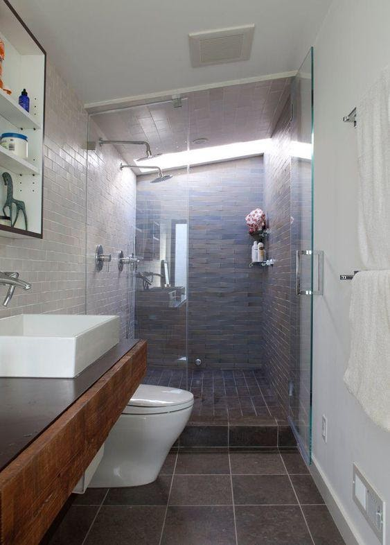 9. Alleviate the Awkward Length with Built In Shower by simphome.com