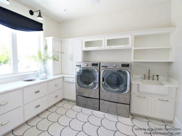 10. The Modern Transitional Laundry Room by simphome.com