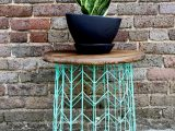 make this wire basket side table