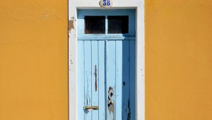 vintage door makeover Simphome com